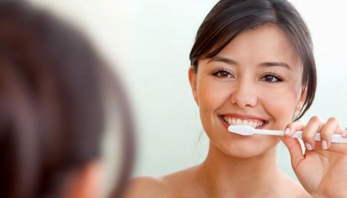 Orthodontie adulte - brossage de dents