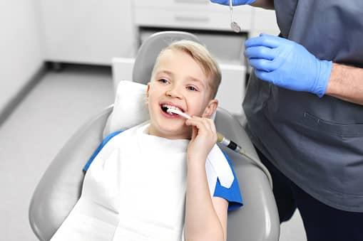Le Dr Ohana Chpindel vous accueille pour une première consultation orthodontique Paris